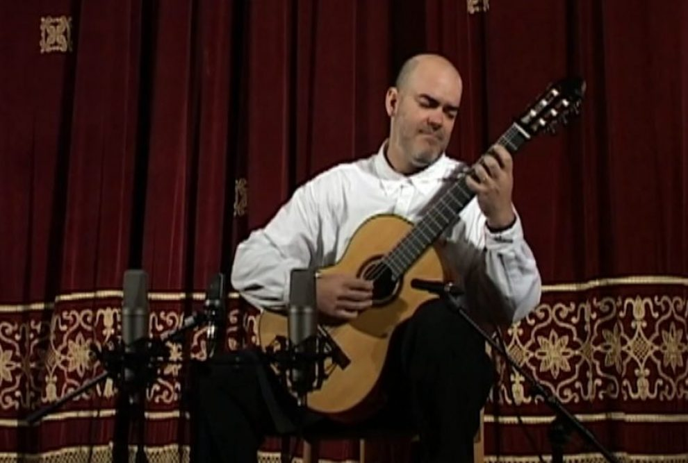 Gabriel Bianco plays in Sinaia Guitar Festival 2016 Part 1.00_28_58_08.Still007
